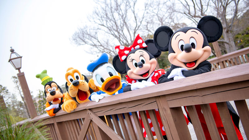 Enjoying Tokyo Disneyland with Young Children