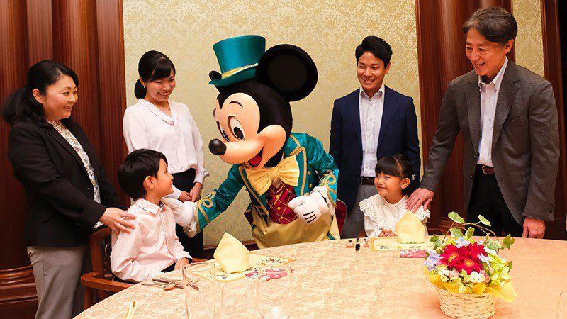 ディズニーの仲間がお祝いにくる宴会プランのイメージ