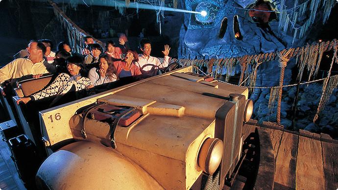2. Indiana Jones® Adventure: Temple of the Crystal Skull