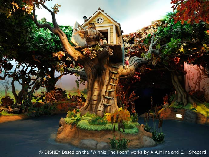 Join in the fun of Pooh's Hunny Hunt in Fantasyland
