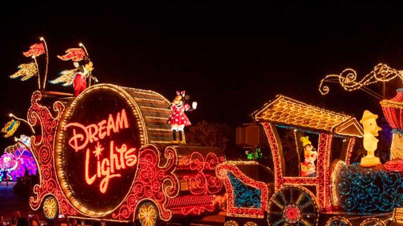16.エレクトリカルパレードは外せない夜の楽しみのイメージ