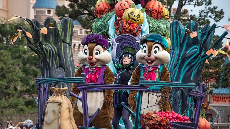 家族で楽しむ!ディズニー・ハロウィーンのおすすめ1日コース!の写真1