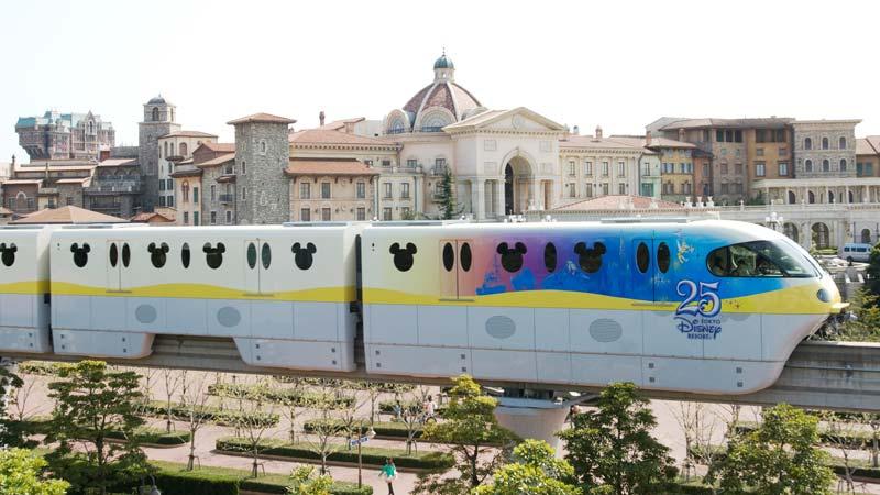 รถไฟโมโนเรลที่ระลึกครบรอบ 25 ปี โตเกียวดิสนีย์รีสอร์ท1